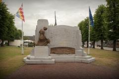 Herdenkingsmonument op het dorpsplein